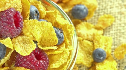Cornflakes with Berries (loopable)