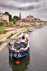 Auxerre Bourgogne, la ville et le port fluvial