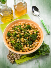 salad with broccoli and chickpeas