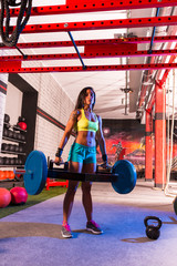 Hex Dead Lift Shrug Bar Deadlifts woman at gym