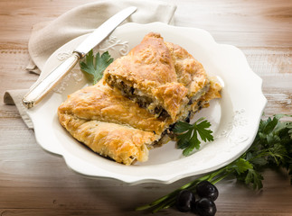 strudel stuffed with tuna and black olives