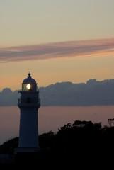 夕暮れの潮岬灯台