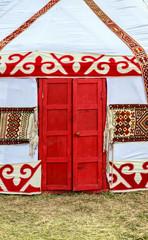 Национальное сооружение центральной Азии - юрта