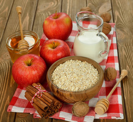 oat-flakes and apples