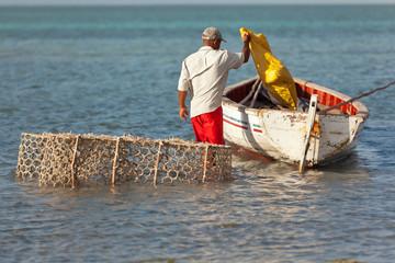 départ pour la pêche, anse Mourouk, île Rodrigues