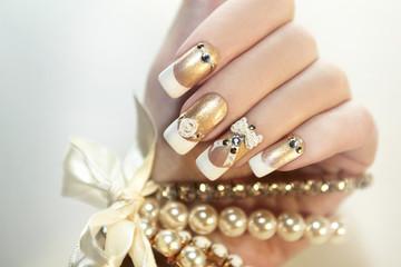 Жемчужные ногти.