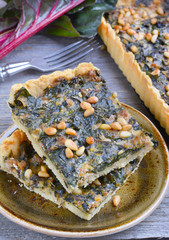 Tart with chard and minced