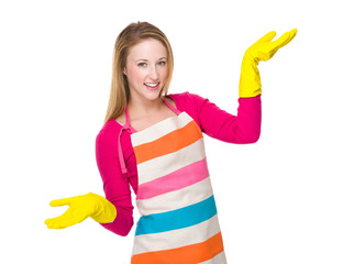 Housewife with kitchen gloves