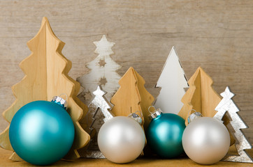 weihnachtsbäume dekoriert