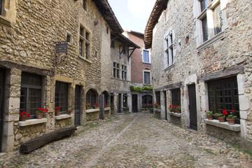 Ruelles de la cité médiévale de Pérouges