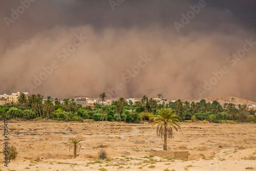In de dag Tunesië Sandstorm in Gafsa,Tunisia