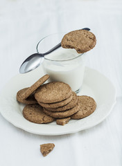 Yogurt and cookies