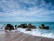 canvas print picture - Junge Frau geht ins Meer