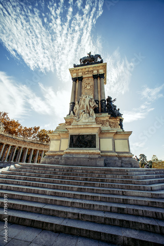 Fotobehang Madrid Monument to Alonso XII, Buen Retiro park, Madrid, Spain