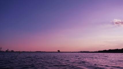 夕焼けトワイライト 数分おきに着陸する旅客機(インターバル撮影fix)257-1
