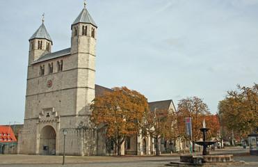 Bad Gandersheim: Stiftskirche (1007, Niedersachsen)
