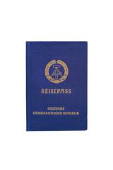 Reisepass DDR auf weiß