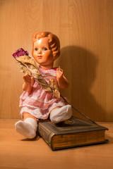 Zelluloid Doll mit Rose
