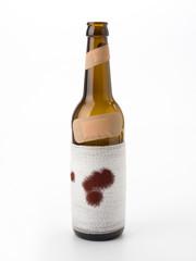 Gewalt - blutige Bierflasche