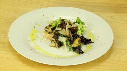 Toast with mushrooms and herbs