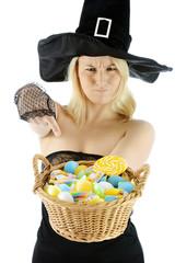 Hexe zu Halloween - Süßes oder Saures