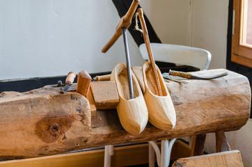 Holzschuhe, Klompen Herstellung