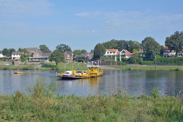 die Fähre von Kessel an der Maas in Limburg