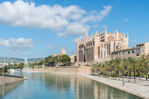 canvas print picture Ausblick auf die Kathedrale von Palma