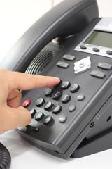 電話をかける making a phone call