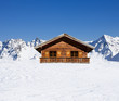 Leinwanddruck Bild - Schihütte in den Bergen