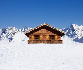 Schihütte in den Bergen