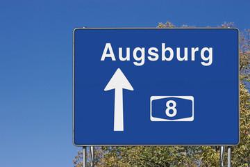 Wegweiser auf A8, Richtung Augsburg