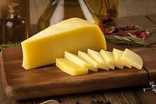 "Постер, картина, фотообои ""cheddar cheese concept photo"""