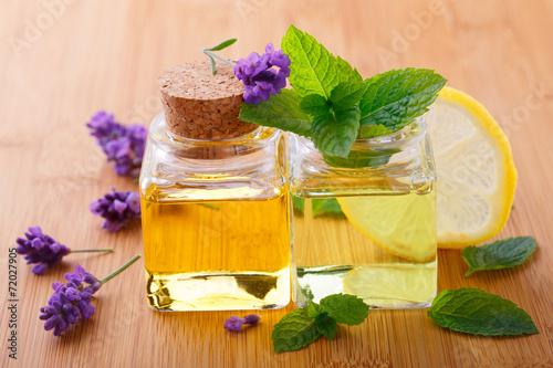 Duftendes Massageöl mit Minze und Lavendel - 72027905