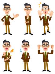 茶色のジャケットを着た眼鏡の男性(正面向き)