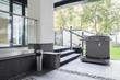 Leinwanddruck Bild - Elevator for disabled