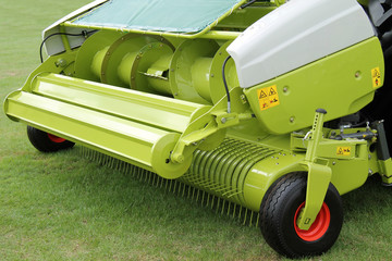 A Pick-up for a Self Propelled Forage Harvester.