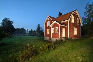 Abendstimmung Holzhaus in Schweden Skandinavien