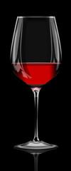 Rotweinglas hochglanz auf schwarzen Hintergrund, freigestellt