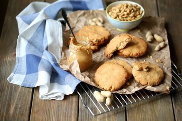 Печенье из арахисового масла и кленового сиропа