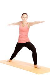 Yogaübungen vor weißem Hintergrund