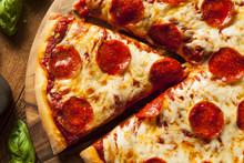 """Постер, картина, фотообои """"Hot Homemade Pepperoni Pizza"""""""