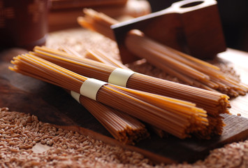 spaghetti biologici integrali - pasta trafilata al bronzo