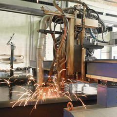 machine for the laser cutting  metal in water
