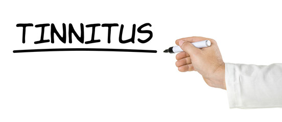 Hand mit Stift schreibt Tinnitus
