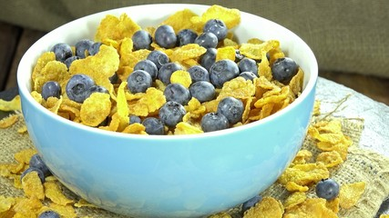 Cornflakes with Blueberries (loopable)