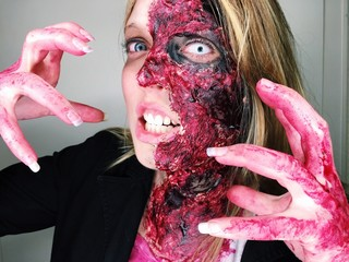 Zombie-Make-Up