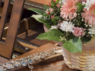 花とフルートとピアノ