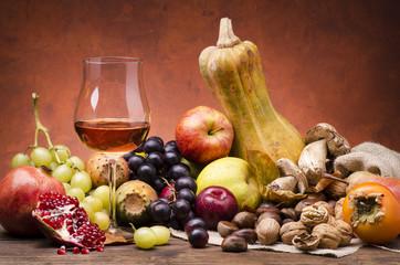 ambientazione frutti e colori d'autunno