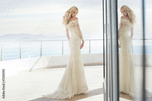 Charming bride on the terrace - 72103913